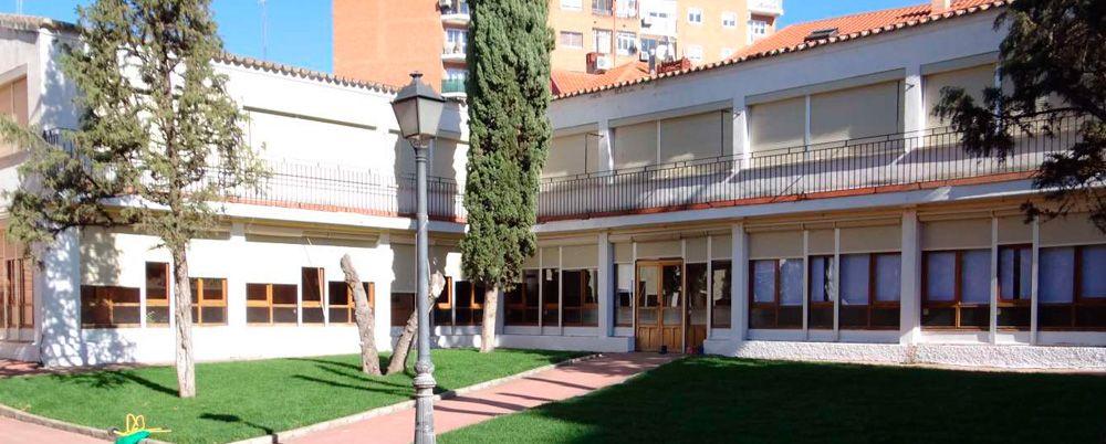 Exterior-Franquicia-Montessori-Village