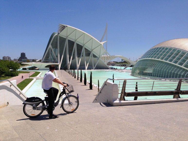 franquicia especializada en ofrecer un servicio de alquiler de bicicletas eléctricas destinado al turismo