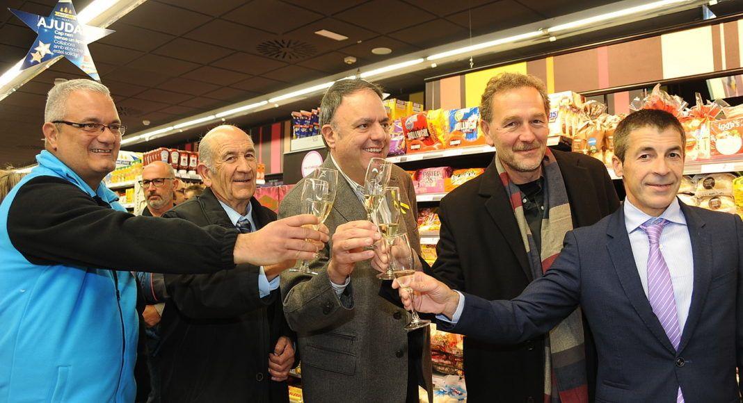 AMPANS y Caprabo abren en Manresa el primer supermercado de Cataluña gestionado íntegramente por personas con discapacidad