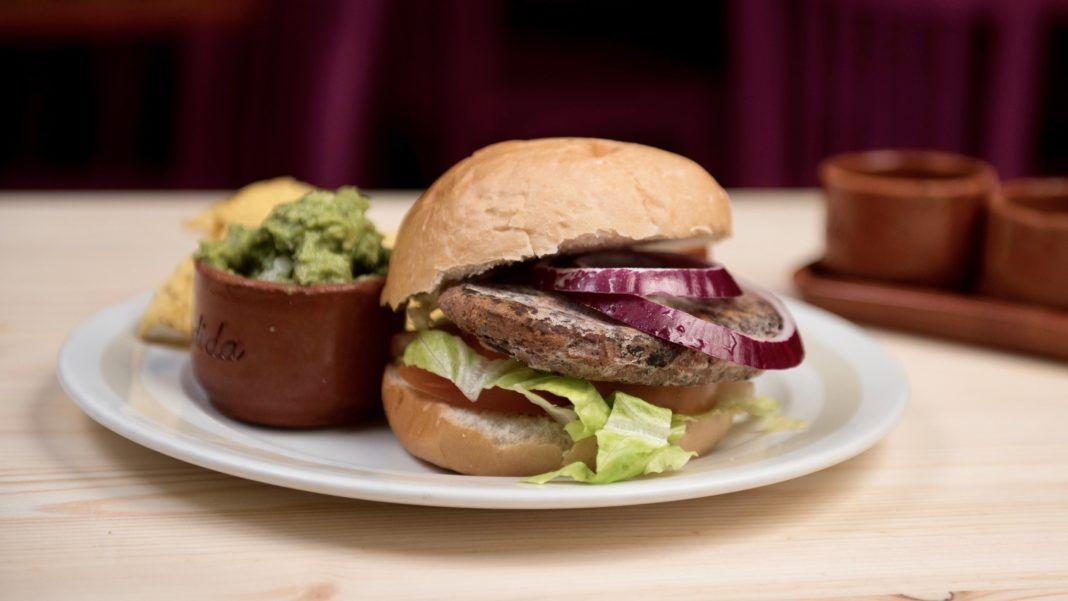 La Iguana de Tijuana, una nueva línea de hamburguesas mexicanas