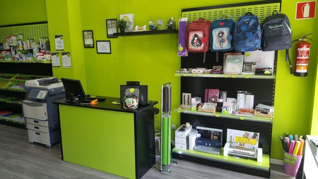 nueva-tienda-de-papeleria-y-scrap-en-moratalaz-madrid2